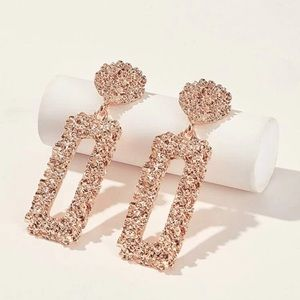 EARRINGS ROSE GOLD COLOR PIERCED! GORGEOUS!